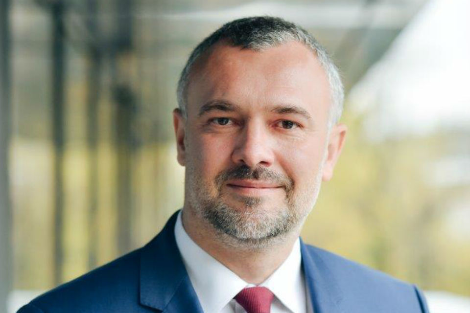 Lawyer: Banks are forced to teach financial education, Romanian state does not assume this role