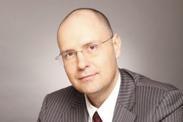 """Daniel Anghel, PwC: """"We must stop the flow of old used cars to Romania"""""""
