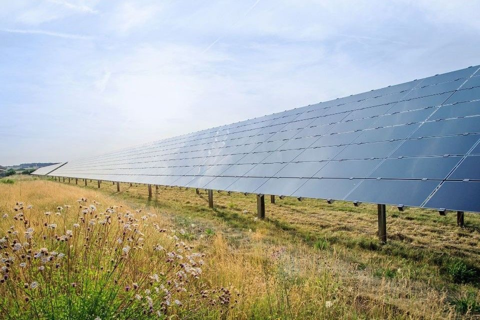 Bosch expands supply of renewable energy, signs three long-term agreements signed for PV electricity
