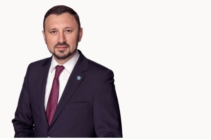 """Mircea Fechet, Minister of Environment, Waters and Forests: """"We have already contracted the financing for 291 charging stations in 38 cities in Romania"""""""