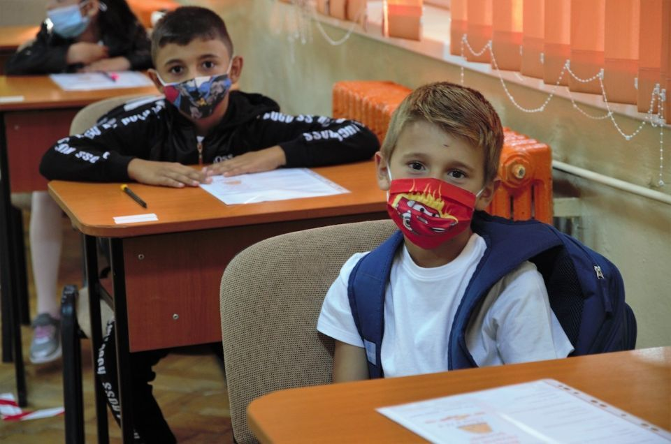 Raiffeisen Bank and United Way Romania helped over 1,000 vulnerable children continue their education in 2020