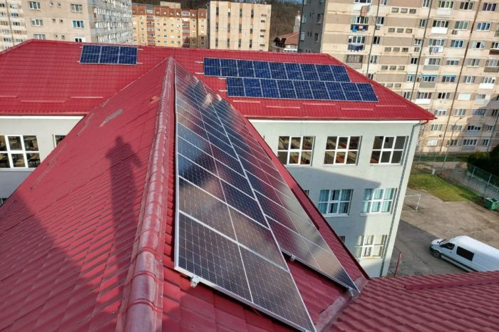 CEZ installs and donates 15 kW photovoltaic panel systems to nine high schools