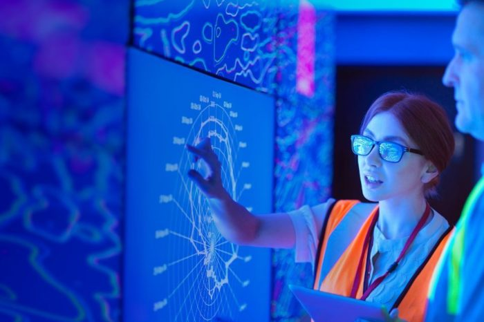 Organizations that treat cloud as new operating model realize greater business value: Accenture