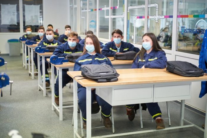 ENGIE invests 2 million RON in the creation of two dual education classes in Galati and Bucharest