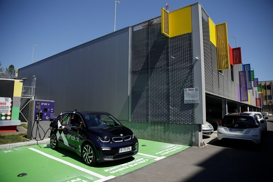 Enel X and Hubject set up partnership to expand the charging point network in Romania